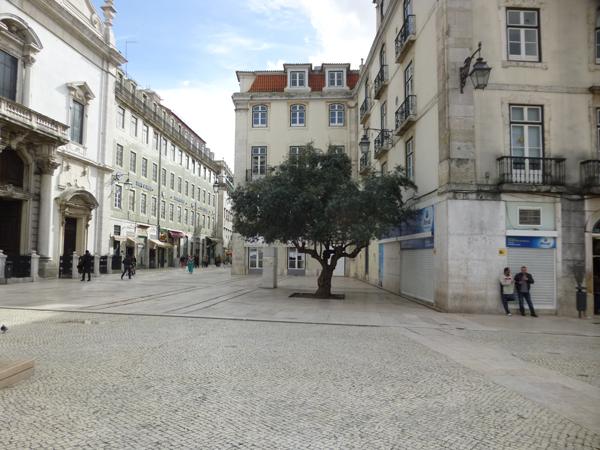 リスボンの広場:イタリア広場:...